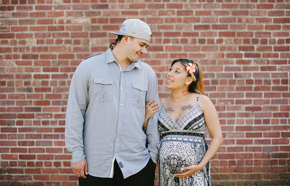 dominic-and-desiree-maternity-portraits-001_thumb