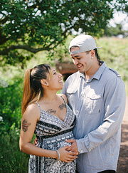 dominic-and-desiree-maternity-portraits-004_thumb