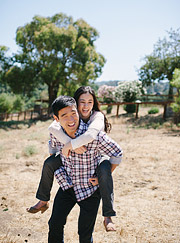 horse-ranch-engagement-portraits-003_thumb