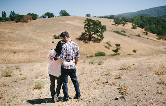 horse-ranch-engagement-portraits-010_thumb