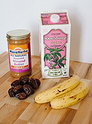 "Ingredients for the Ultimate ""Date"" Night Smoothie"