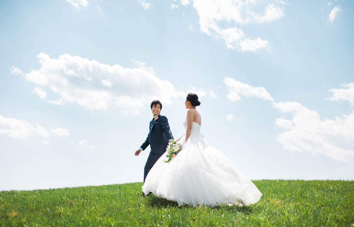 Outdoor bride and groom portraits in Maryland. East Coast wedding photography.