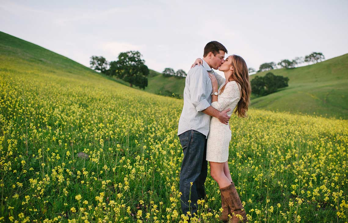 Romantic lifestyle photos in rural San Francisco Bay Area
